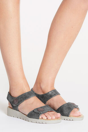 Cushion Walk Touch Fasten Stud Detail Sandal