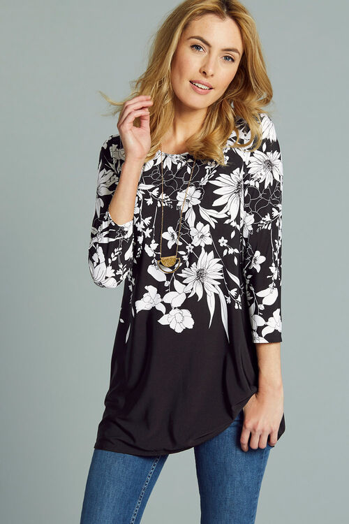Monochrome Floral Tunic With Necklace