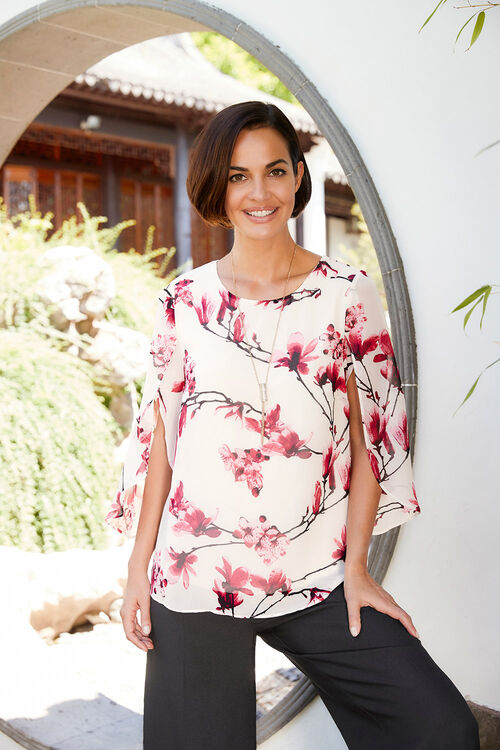 Floral Printed Double Layer Split Sleeve Blouse With Necklace