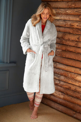 Fluffy Shawl Collar Robe