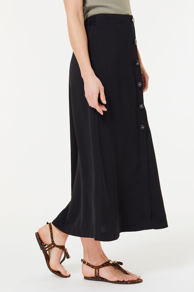 Lightweight Button Skirt