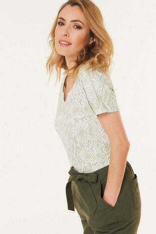 Notch Neck Snake Print T-Shirt