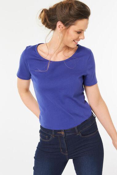 Scoop Neck Basic T-shirt
