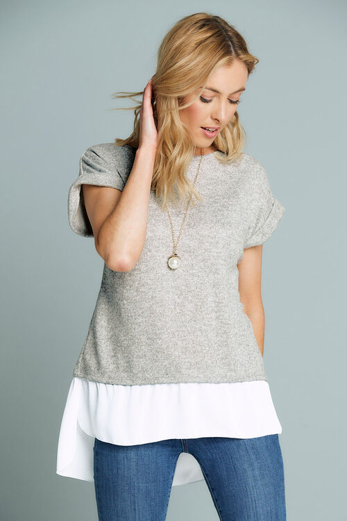 Stella Morgan Chiffon Hem Top With Necklace