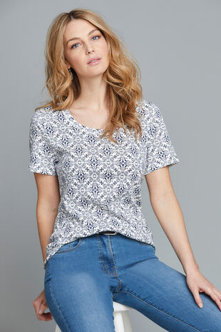 Scoop Neck Tile Print T-Shirt
