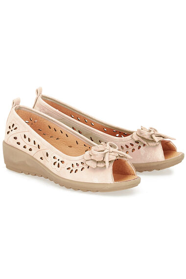 Cushion Walk Barcelona Peep Toe Bow Shoe