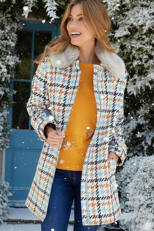 Houndstooth Coat with Fur Collar