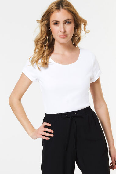 Scoop Neck Plain T-shirt