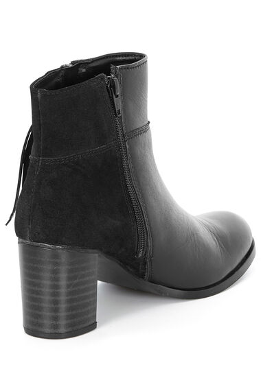 Comfort Plus Leather Heeled Boot